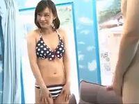 夏の海で無防備なテンションになってるビキニ女子大生をナンパを装って誘い出したら素人男性を相手にSEXさせてAV撮影しちゃう 裏アゲサゲ 素人JD 女子大生の無料アダルト動画