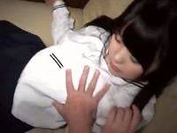 艶やかな黒髪の女子校生を援交ハメ撮りしながら脱がしたら素人離れした美巨乳だった! erovideo 素人JK女子校生の無料アダルト動画