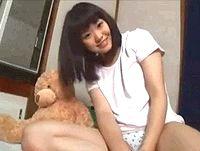 オナニー自撮りする素人ロリ女子大生が夢中になってマンコに指ズボしながら中逝きオーガズム FC2 素人JK女子校生の無料エロ動画