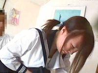セーラー服の素人ロリ女子高生に着衣でフェラチオ&バックハメするオジサン淫行盗撮 XVIDEOS 素人JK女子校生の無料アダルト動画