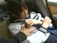 清楚な素人女子校生はじめての援交は車の中で白昼堂々イタズラされるカーセックス RED TUBE 素人JK女子校生の無料アダルト動画