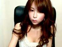 色白美人なハーフ顔女子大生の素人ライブチャットで緩すぎる胸元を凝視しながら癒されトーク pornhub 素人JD 女子大生の無料エロ動画