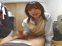 ロリかわ女子校生の無邪気なフェラ&高速手コキに本番ピストンする間もなく一発目を発射 ShareVideos 素人JK女子校生の無料エロ動画