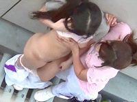 レズ女子校生カップルが部活で着替え中にペッティングしてる決定的エロ瞬間を上から盗撮! ShareVideos 素人JK女子校生の無料アダルト動画