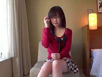 メガネを取っても美人!アニメボイス女子大生がラブハメSEXで萌え上がります ShareVideos 素人JD 女子大生の無料エロ動画
