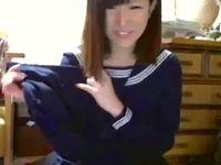 ブルマも穿くよ!清楚美人な素人女子校生がライブチャットカメラの前でセーラー服に生着替え! ShareVideos 素人JK女子校生の無料エロ動画