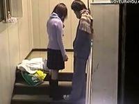 階段の踊場でヤリまくってる素人カップルを盗撮!最近の女子校生は清純そうでもヤリマンです Pornhub 素人JK女子校生の無料アダルト動画