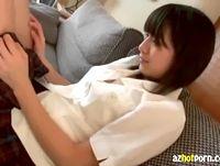 ハニカミ笑顔がめちゃ可愛くて美少女な黒髪ショート女子校生の美脚を開いてパンティごしにアソコ弄り ShareVideos 素人JK女子校生の無料エロ動画
