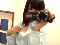 自分を鏡に映してハンディカメラ片手にオナニー自撮りするニーソックス素人女子校生 ShareVideos 素人JK女子校生の無料アダルト動画