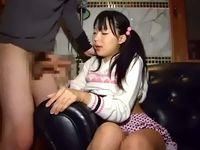 犯罪的なくらいに幼げなロリっ子ツインテール女子校生に巨根を頬張らせてキツめに締まったおマンコに生挿入 RED TUBE 素人JK女子校生の無料エロ動画