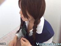 個室トイレに設置しておいた盗撮カメラに映っていたのは三つ編みのマジメそうな素人女子校生の指入れオナニー XVIDEOS 素人JK女子校生の無料アダルト動画