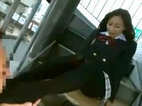 足フェチ援交オヤジにビルの非常階段で顔踏み足コキしてあげるパンスト美脚な制服女子校生 erovideo 素人JK女子校生の無料エロ動画