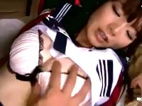 はだけたセーラー服からこぼれる美乳がステキな素人女子校生が制服着衣のままハメ撮りSEXからのパイ射フィニッシュ JavyNow 素人JK女子校生の無料エロ動画