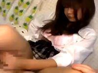 女子校生のピチピチむちむちな太腿におチンチン擦り付けて大量の精液をぶちまける脚コキ逝き erovideo 素人JK女子校生の無料アダルト動画