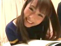家庭教師のお姉さん設定でカメラに向かってエッチな台詞を言わされ照れ顔が可愛すぎな素人女子大生を成り行きのまま着衣ハメ ShareVideos 素人JD 女子大生の無料アダルト動画