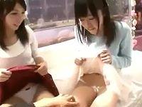 仲良し素人女子大生たち二人組がノリノリAV男優の口車に乗せられてまんまと友達の目の前でセックスさせられちゃう ShareVideos 素人JD 女子大生の無料エロ動画