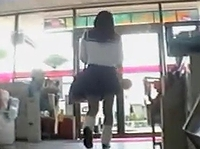 路上盗撮への警戒が甘々な素人女子校生たちにターゲッティングしてお肉に食い込むパンティ撮りまくり erovideo 素人JK女子校生の無料アダルト動画
