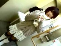 ツンデレ系の私服女子校生に諭吉を渡してトイレでフェラ抜き援助交際 Pornhub 素人JK女子校生の無料アダルト動画
