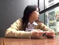 秋葉原で見つけた国民的アイドル似な黒髪ロリ女子校生をゲットして車に連れ込み巨根をフェラ抜きさせちゃいます Pornhub 素人JK女子校生の無料エロ動画
