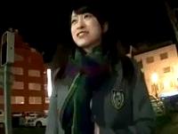 黒髪清楚なお嬢さまっぽい女子校生を街中でつかまえて車に連れ込み制服姿のままハメ撮りしたら瞬く間にオンナの顔に! FC2 素人JK女子校生の無料エロ動画