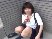 制服の下のノーブラ生おっぱいチラチラ見えてる女子校生を盗撮してたら急に欲情して手を突っ込んで鷲づかみするヘンタイ撮影者の過激映像がネット流出 ShareVideos 素人JK女子校生の無料アダルト動画