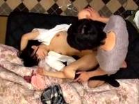 黒髪ロリなエロい体つきの女子校生が知らないオジサンの家に連れ込まれて援交セックス ShareVideos 素人JK女子校生の無料エロ動画