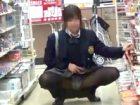 素人女子校生にお小遣いあげて公共の場でコッソリ野外露出させてモロパン撮影! erovideo 素人JK女子校生の無料アダルト動画