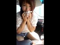 可愛い顔してヤリマンな三つ編みロリ女子大生が先輩のおチンチンを車内で激しいジュポジュポしゃぶってフェラっちゃう ShareVideos 素人JD 女子大生の無料アダルト動画